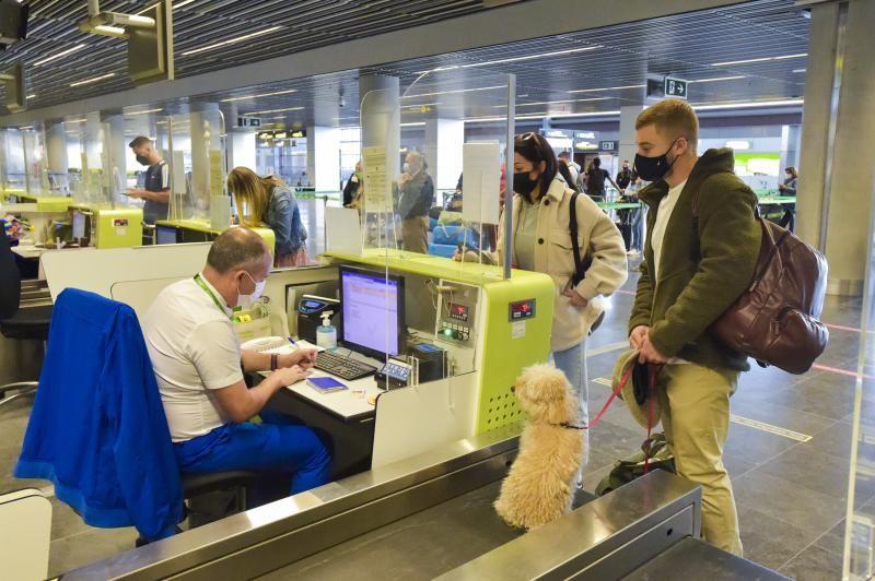 Salidas y llegadas desde el aeropuerto al comienzo de Semana Santa