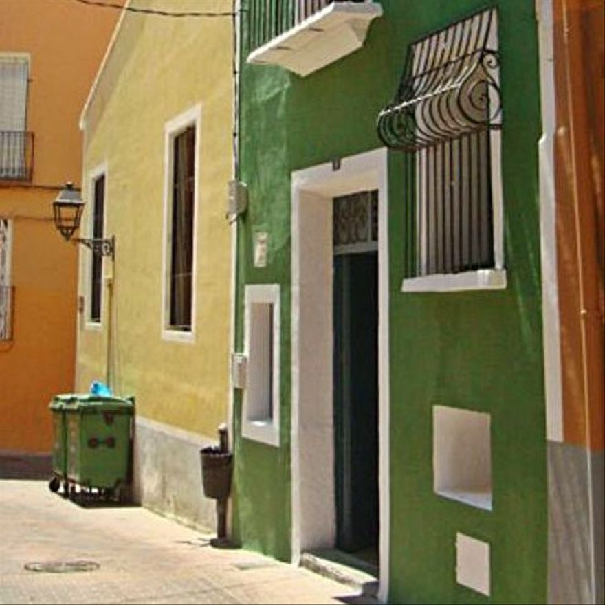La Vila transforma una casa en centro de arte temporal