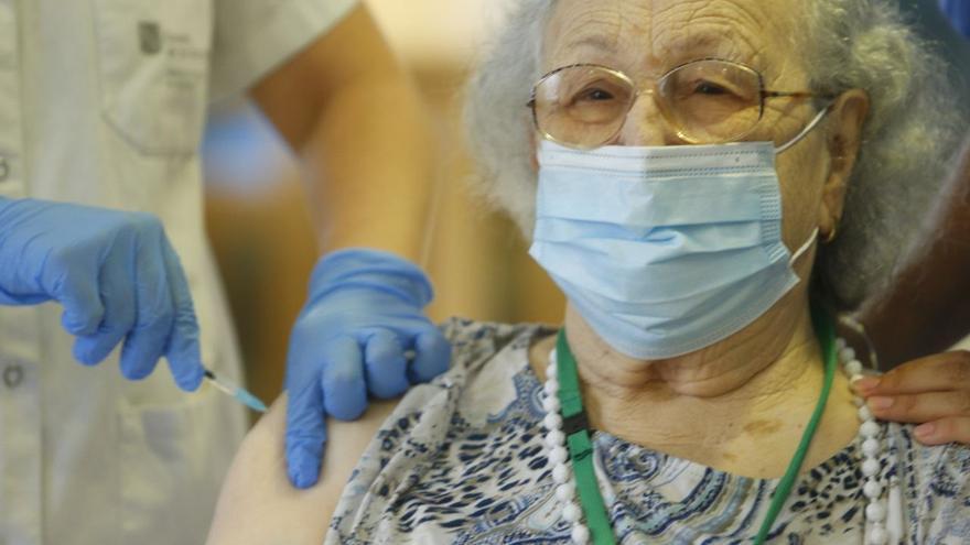 Finaliza la inoculación de la tercera dosis en las residencias del IMAS