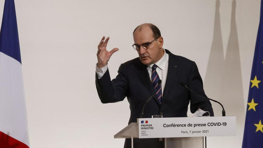 Francia mantiene el cierre de la hostelería y de los lugares culturales hasta fin de mes