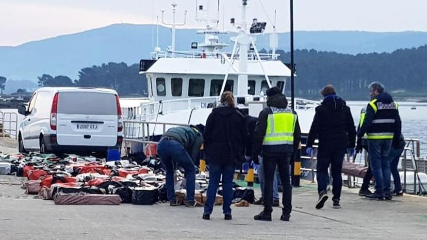 Dos detenidos y 2,5 toneladas de cocaína incautadas en Arousa