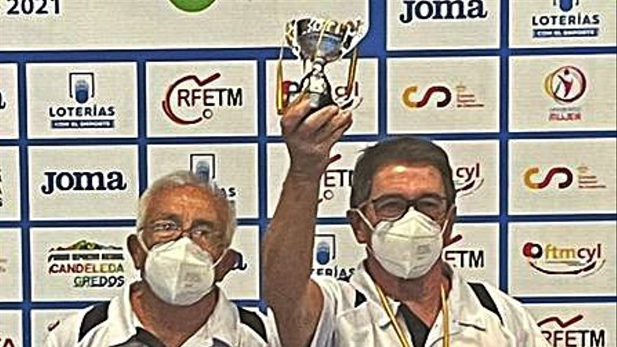 Guitart y Fuster (Exp.Aranda-Filósofo) aúpan al podio nacional a la selección valenciana de tenis de mesa