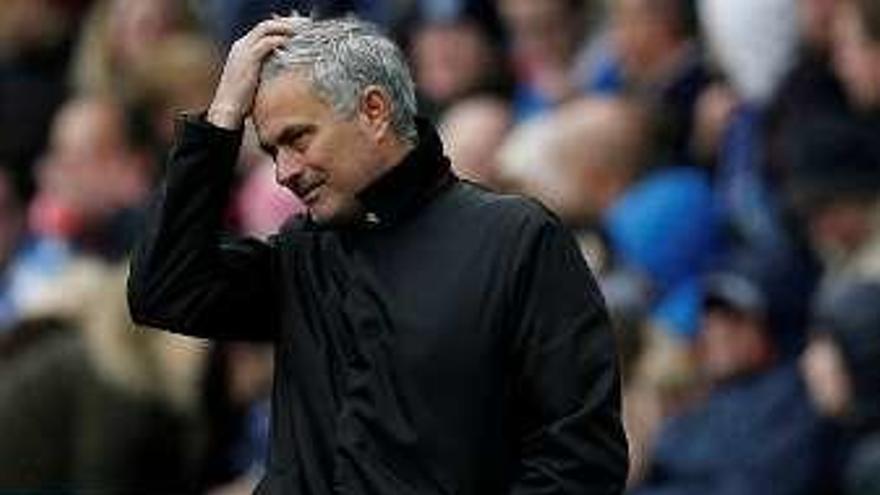 Primera derrota del United; el City sigue imparable