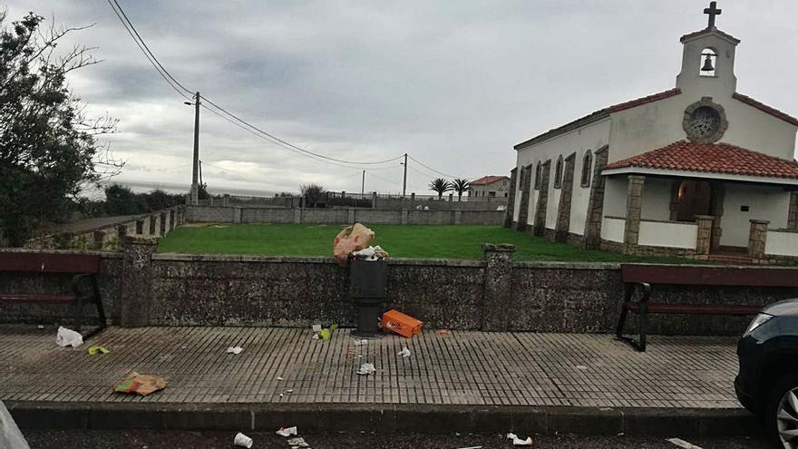 Las concentraciones por el cierre perimetral llenan de basura la zona rural