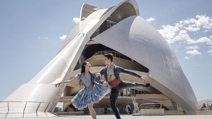 """""""Giselle"""" baila en las leyendas de Bécquer"""