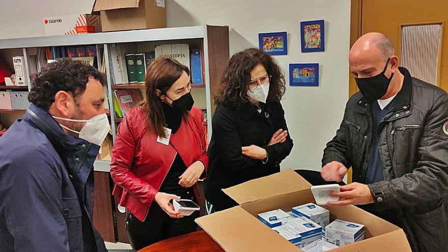 Los colegios de Laviana ya cuentan con medidores para saber cuándo ventilar