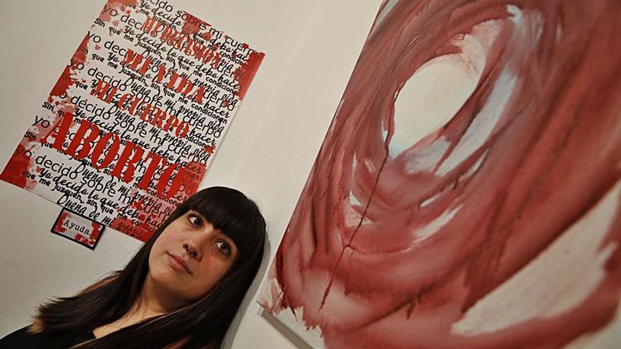 Andrea Rodríguez visibiliza el aborto en una exposición inaugurada en Gijón