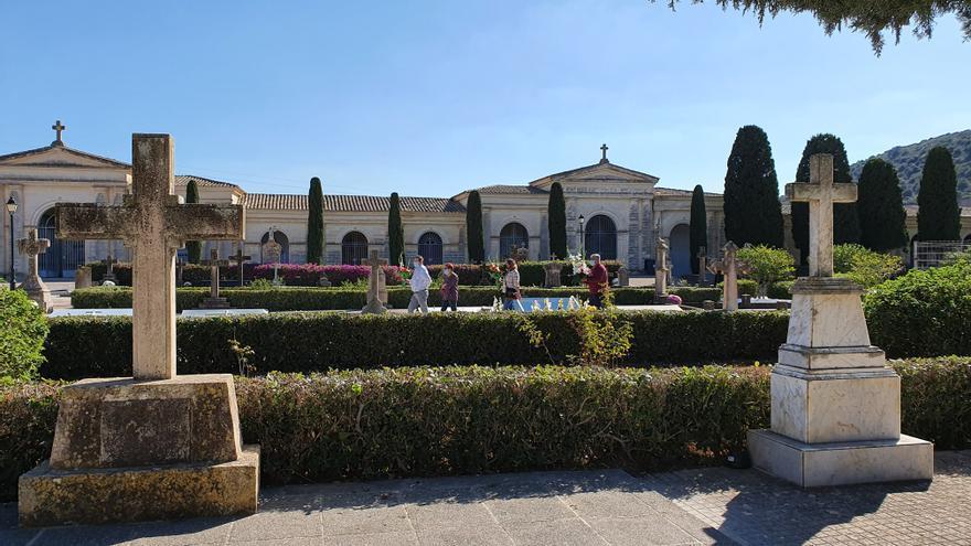 Tots Sants: consulte aquí los horarios de apertura de los cementerios de la Part Forana