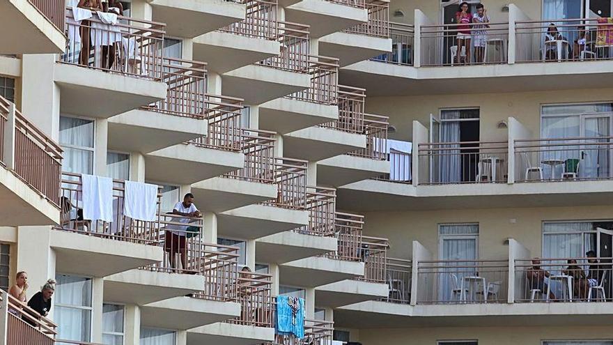 Los hoteleros de Ibiza miran con optimismo al Reino Unido y piden abrir la isla en mayo