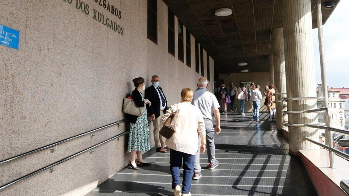 Acceso de los juzgados de Vigo
