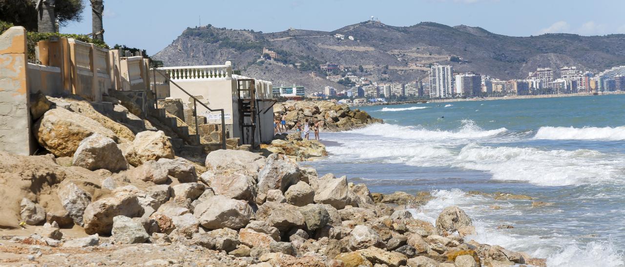 La playa de la Goleta de Tavernes, dañada tras un temporal