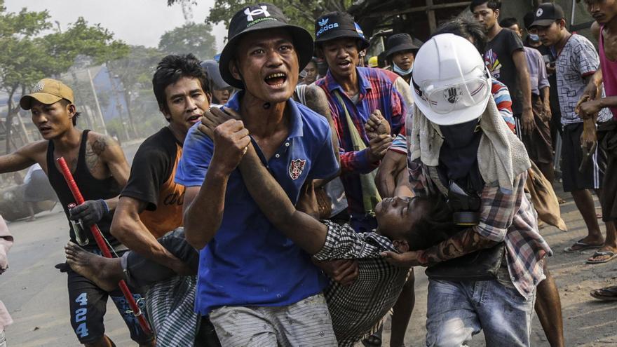 """Un residente birmano en España: """"El Ejército utiliza TikTok para amenazar de muerte a la población"""""""