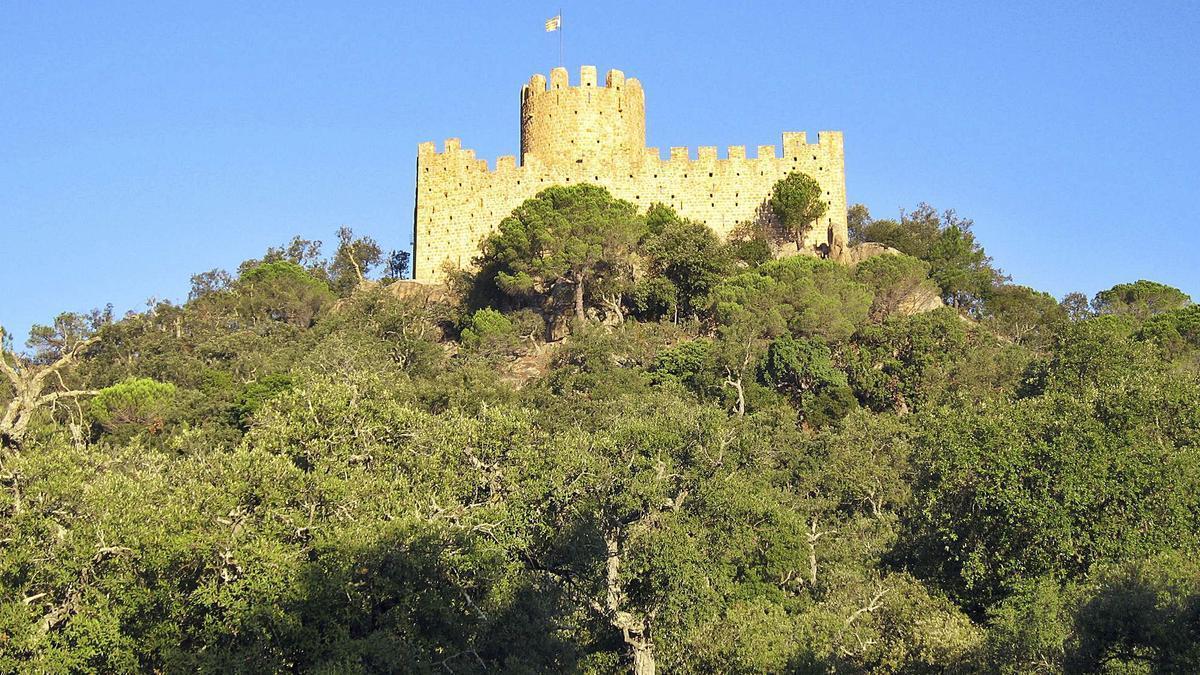 El castell de Farners és un dels punts més emblemàtics de l'oferta de rutes i senders de la comarca. | DIARI DE GIRONA