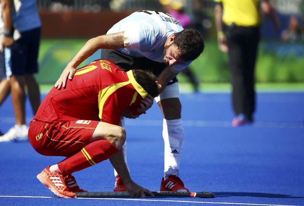 Los 'redsticks' de hockey fueron eliminados por Argentina en cuartos en el último minuto.
