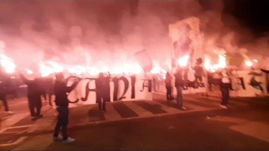 La impresionante acogida de Levante Fans a la plantilla granota