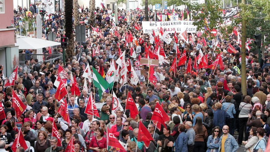 El juez archiva la investigación a 20 trabajadores de Elche por ser piquetes en la huelga en 2012