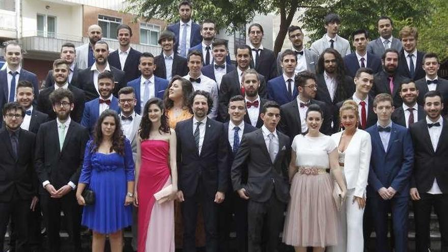Ingeniería Informática gradua a su quinta promoción