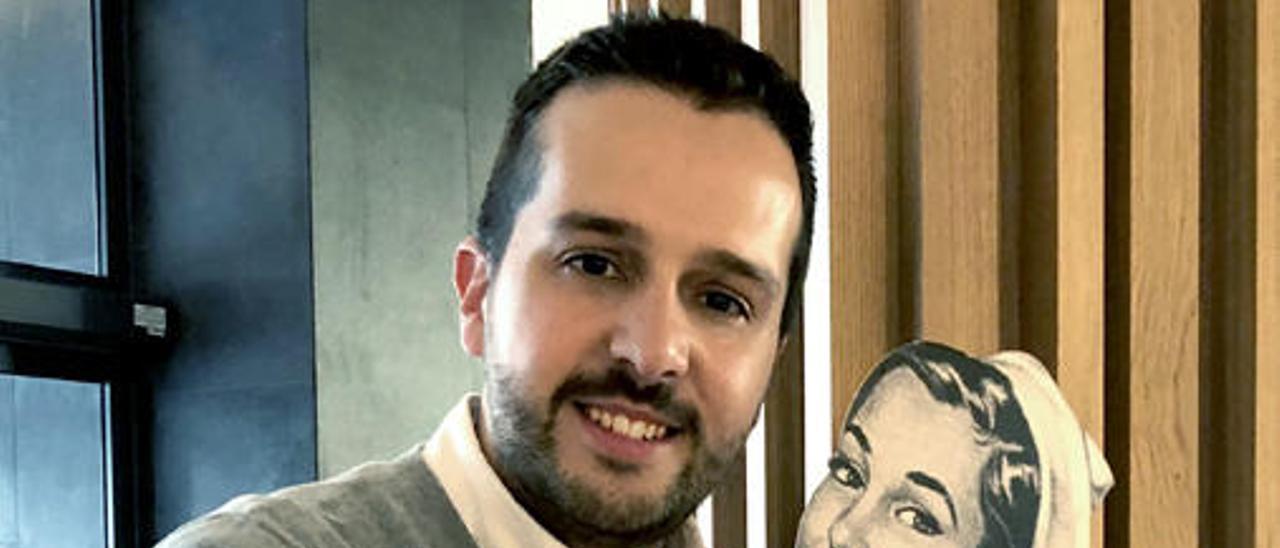 Héctor Castiñeira es Satu.