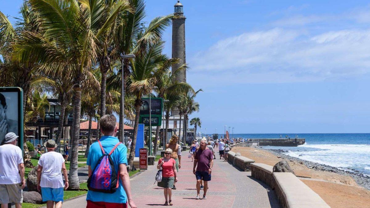 Turistas en el sur de Gran Canaria.