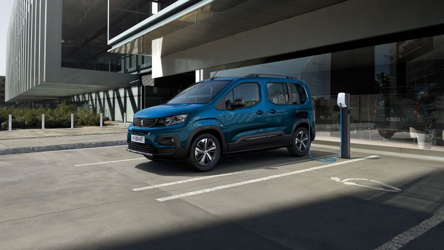 Peugeot e-Rifter 2021: la furgoneta eléctrica de hasta 7 plazas ya tiene precio en España