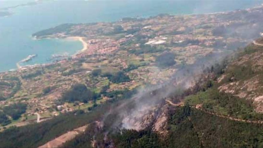 Un incendio intencionado en A Pobra calcina más de 60 hectáreas