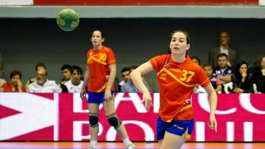 La exjugadora de balonmano Ana Martínez, distinguida con el Ram d'Or de Elche