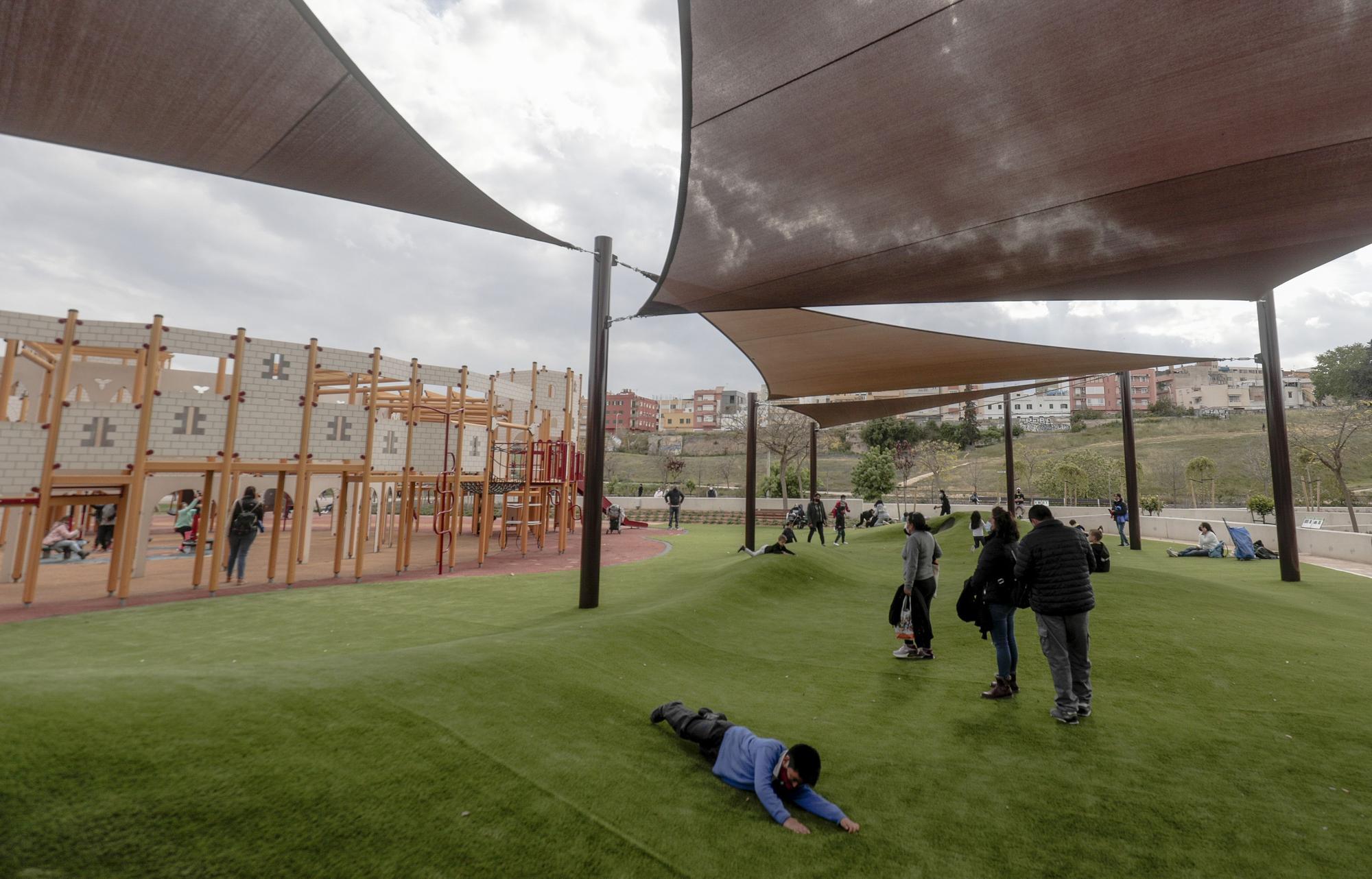 Palma inaugura su primer parque inclusivo en sa Riera