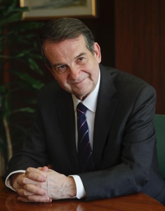 Abel Caballero (PSOE). Doctor en Economía por las Universidades de Cambridge y Santiago y catedrático de Teoría Económica en Vigo. Fue ministro de Transportes, presidente de la Autoridad Portuaria y es alcalde desde 2007. También preside la FEMP.