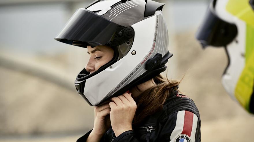 Viajar en moto en verano sin calor y bien protegido ¿Es posible?