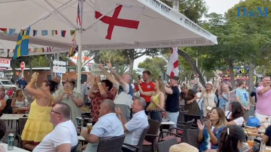 Final de la Eurocopa: Los turistas ingleses vibran con su selección en Palmanova