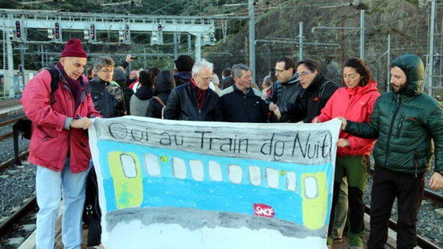 "Marxa de Cervera a Portbou contra el ""vergonyós"" servei ferroviari de Renfe i SNCF"