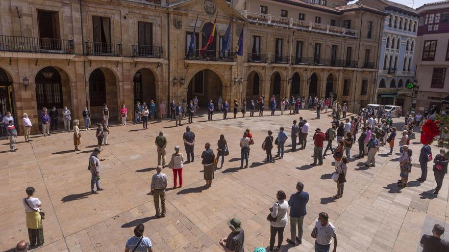 Oviedo sale a la calle dos veces en una semana contra la violencia vicaria