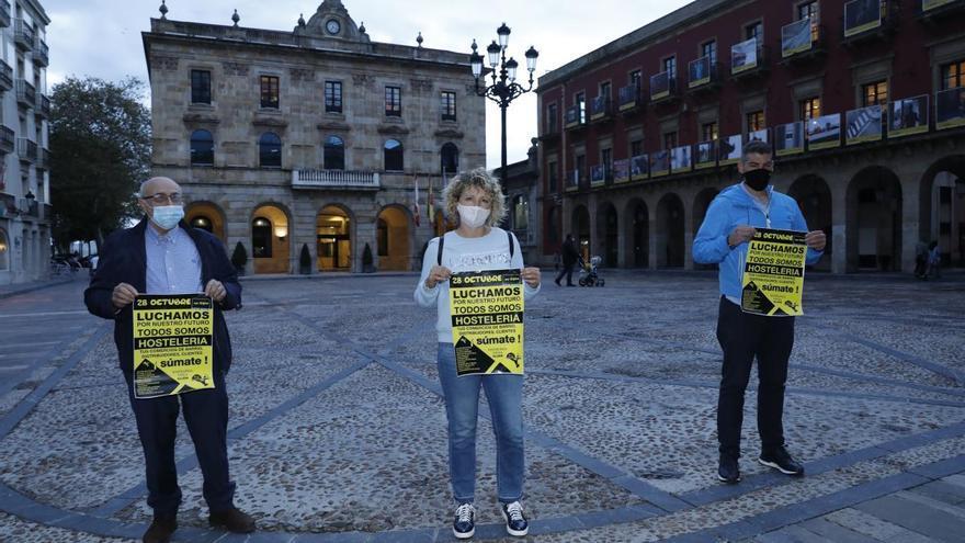 Los hosteleros de Gijón mantienen su manifestación al margen de la convocada por Otea