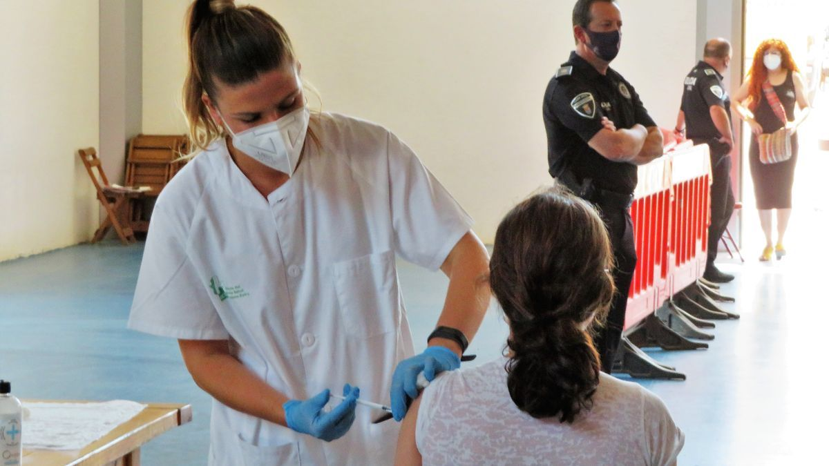 Vacunaciones en el Pabellón Multiusos de Monesterio.