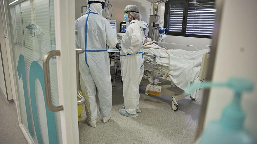 L'UCI de Sant Joan de Déu passa d'11 a 15 pacients ingressats en un sol dia