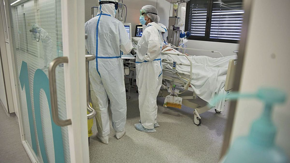 L'UCI de l'Hospital Sant Joan de Déu de Manresa   ARXIU/MIREIA ARSO