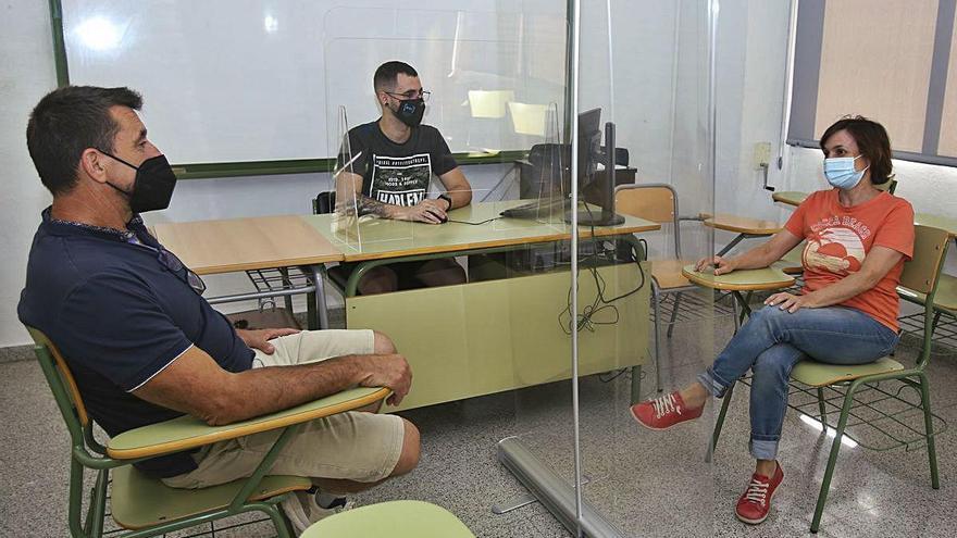 La Escuela de Idiomas recurre a la Policía Local para regular el acceso al examen del B2 de inglés