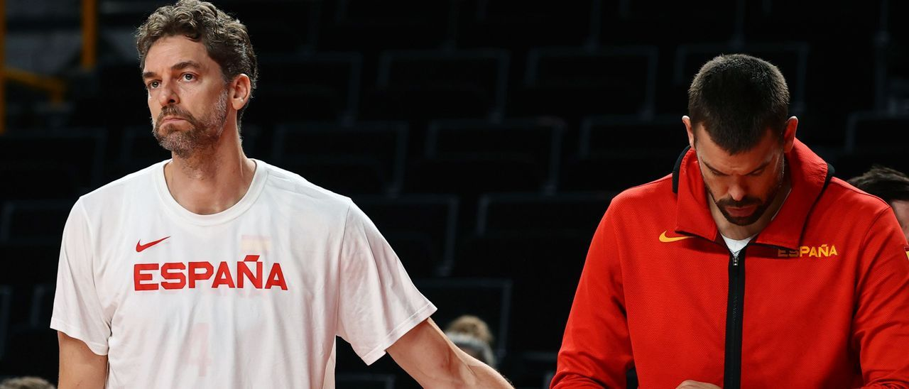 Pau y Marc Gasol, tras la derrota de España ante EEUU.