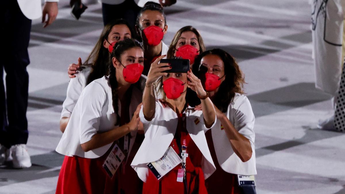 Belmonte y Craviotto lideran una España de alegría, corazones... y móviles