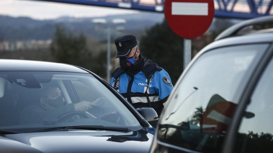 Salud prorroga el cierre perimetral de Oviedo mientras Cangas del Narcea y Carreño esperan la decisión en sus concejos