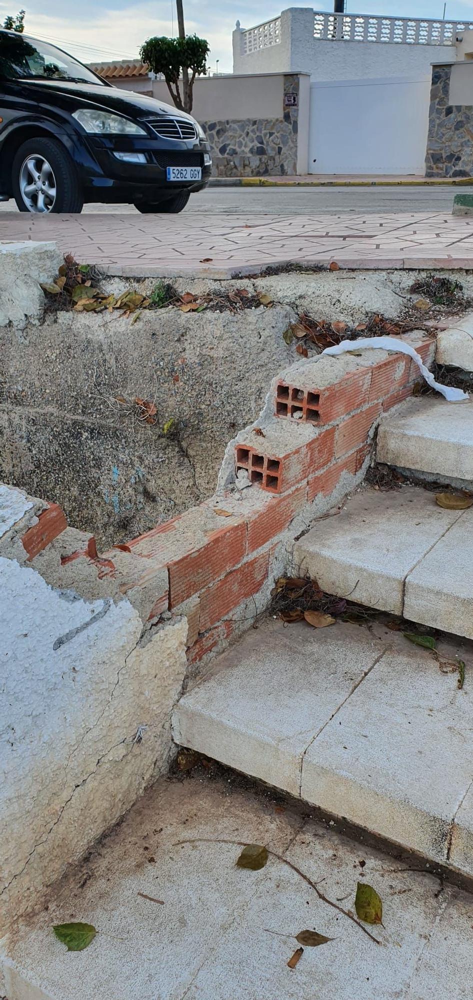 50A Regia Escalera acceso rambla.jpg