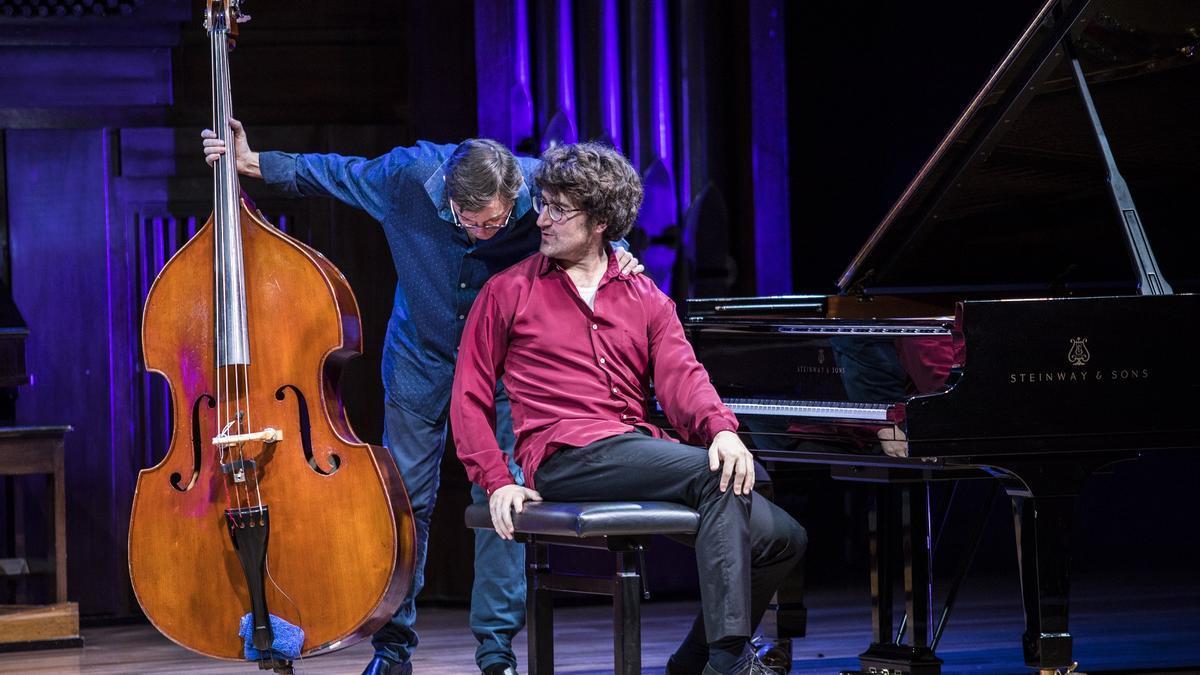Javier Colina y Albert Sanz durante un concierto.