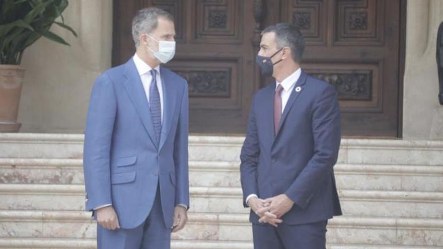König Felipe empfängt Premier Sánchez im Sommerpalast
