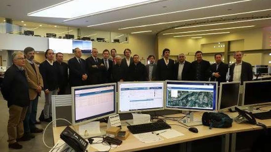 La Xunta presenta a alcaldes de Portugal las instalaciones del CIAE-112 en A Estrada