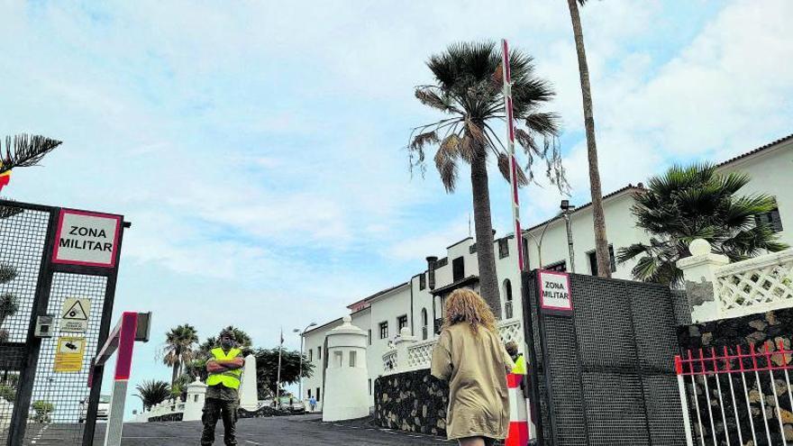 Los desalojados ponen rumbo al hotel de Fuencaliente