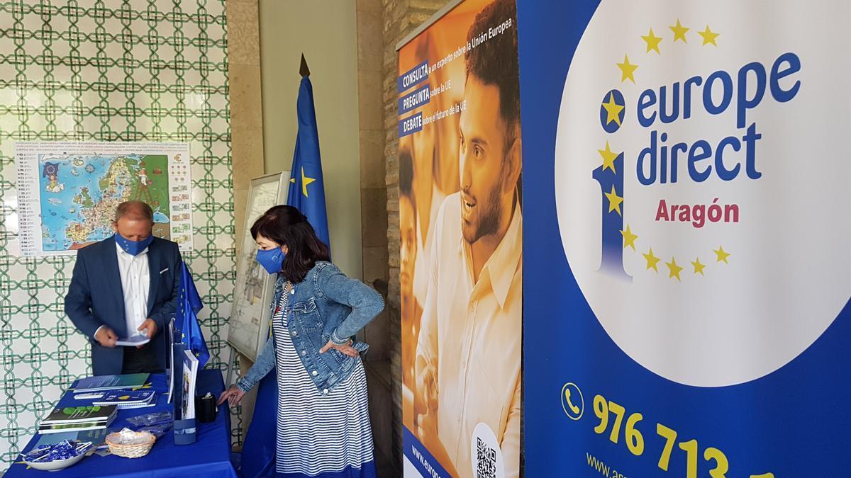 Stand informativo para celebrar el Día de Europa.