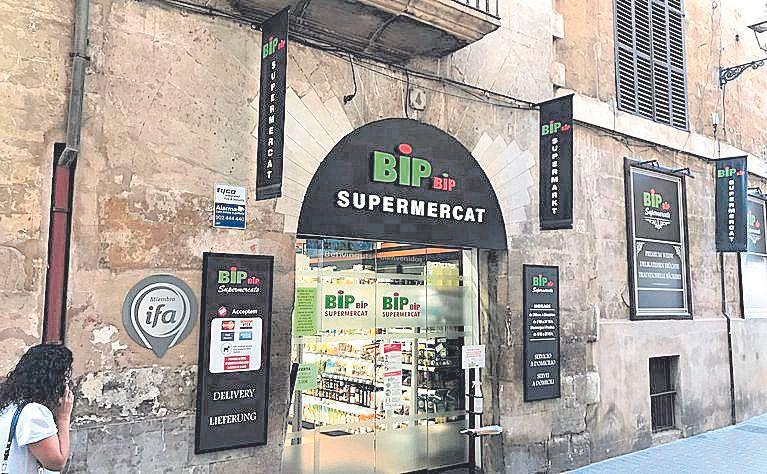 Los supermercados de barrio ganan espacio en el centro de Palma