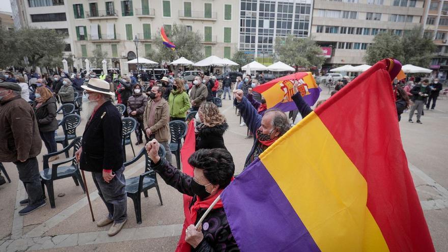 """Cort celebrará con """"solemnidad"""" el día de la República"""