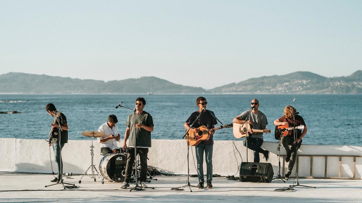 Un momento durante la grabación del videoclip de Taburete en Vigo