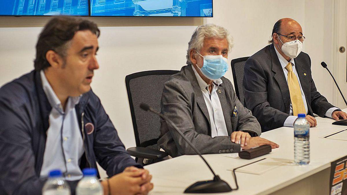 Jorge Pumar, Rosendo Fernández y Julio Bouzo, en la presentación del 53º Rallye de Ourense